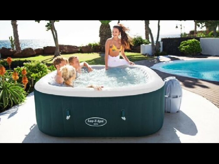 Bestway Lay-Z-Spa? jacuzzi gonflable Ibiza (envoie 48h)