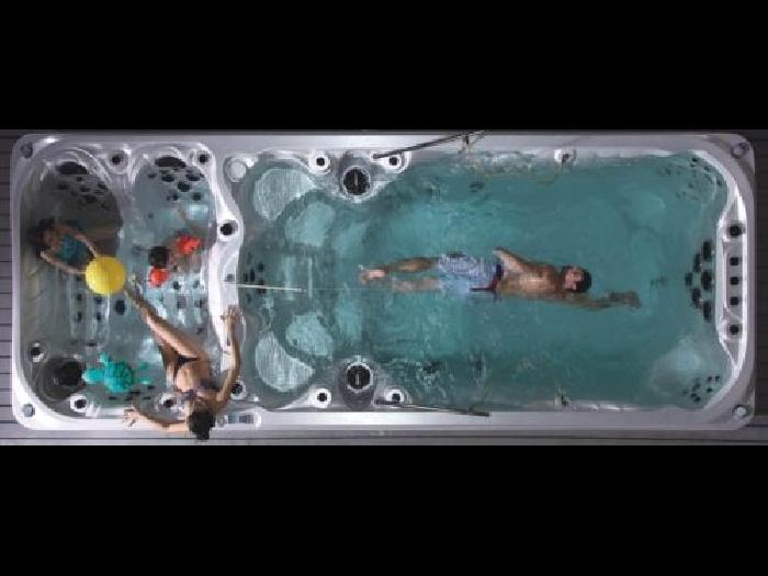 spa de nage mono bassin duce spa jacuzzi. Black Bedroom Furniture Sets. Home Design Ideas